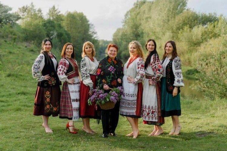 Відома збирачка національного одягу з Нововолинська презентувала новий проєкт