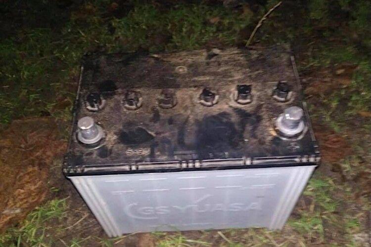 На Волині оперативно знайшли злодія, який проник в чужий гараж і зняв акумулятор з трактора