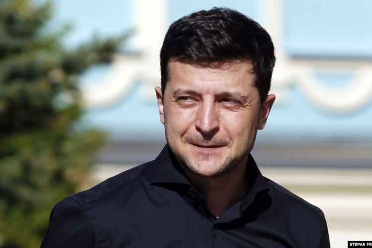 Бурштинова проблема: Зеленський вимагає звільнити керівників поліції Любешівського та Ратнівського районів