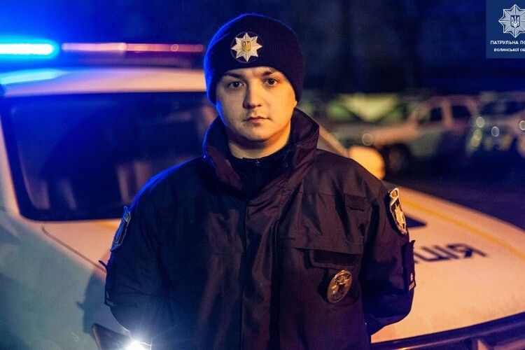 У Луцьку патрульний голими руками затримав водія-алконавта, який збив електроопору на Рівненській