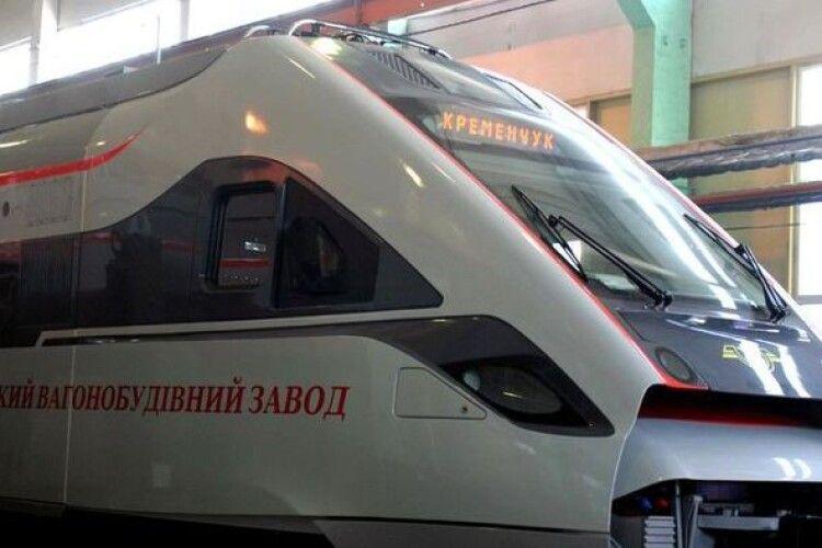«Укрзалізниця» таки купує 100 нових пасажирських вагонів у Крюківського вагонобудівного заводу