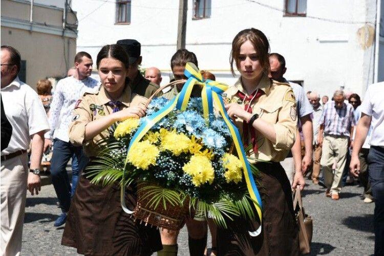 У Луцьку вшанували пам'ять жертв розстрілу в'язнів у Луцькій тюрмі (Фото)
