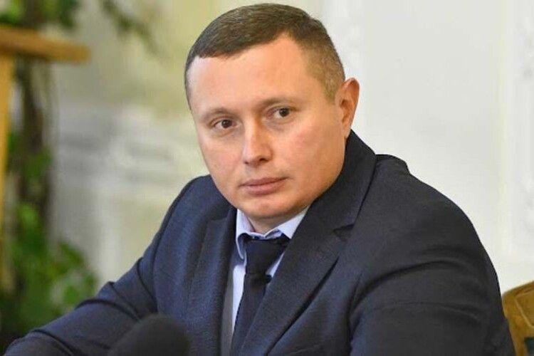 Чи вдасться губернатору Волині Юрію Погуляйку вивезти з Києва 260 мільйонів гривень?