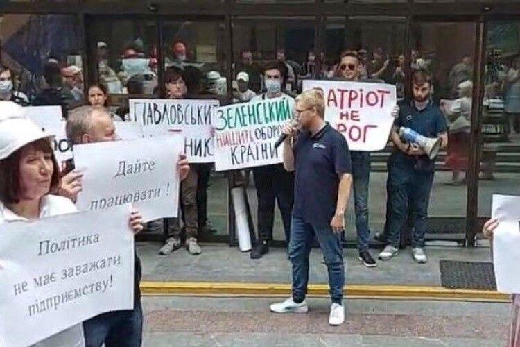 Депутати «Європейської Солідарності» вимагають припинити судилище над генералом Павловським