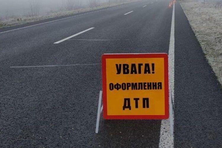 У Камінь-Каширському районі внаслідок автопригоди загинув мотоцикліст, а в Ковелі поліція розшукала водія, котрий втік з місця ДТП