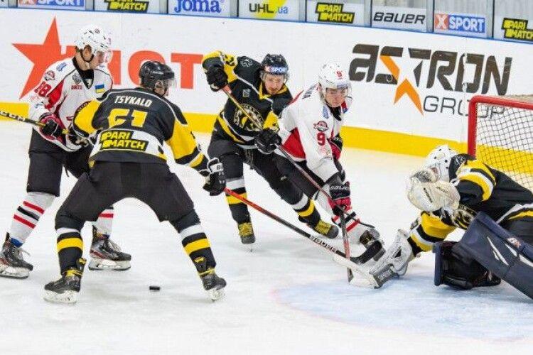 Сім клубів вже подали заявки на новий сезон в елітній хокейній лізі країни