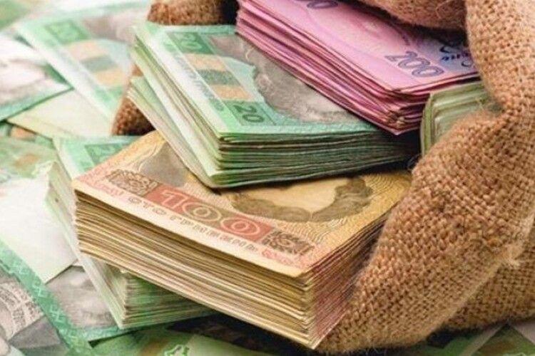 Аферисти виманили у 72-річного рівнянина 33 тисячі гривень