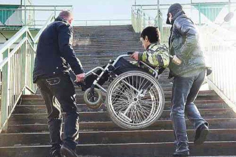 У Луцьку запрацював проєкт з працетерапії для людей з інвалідністю