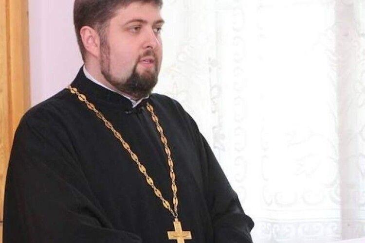 У священника ПЦУ в один день померли дружина і батько