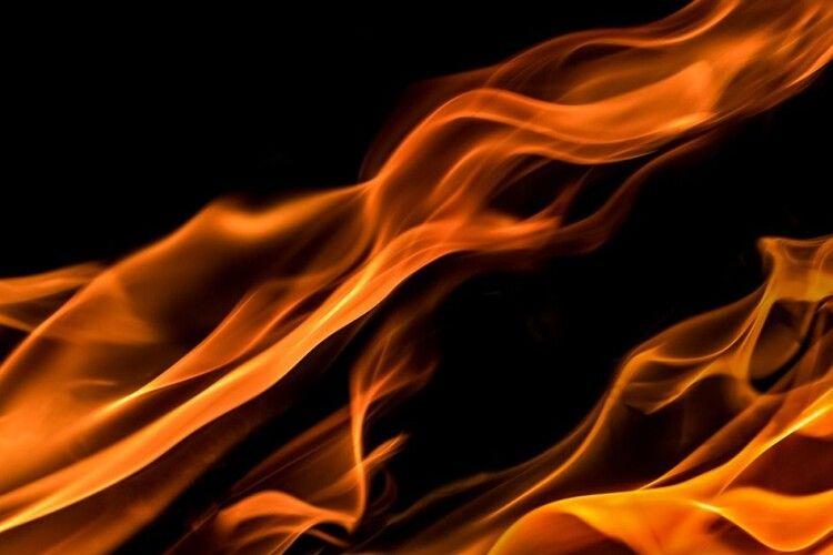 Біля Луцька підпалили автівку