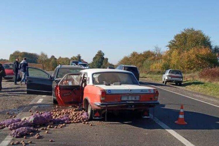 Зіткнулися лоб в лоб: у ДТП на Львівщині загинув горохівчанин