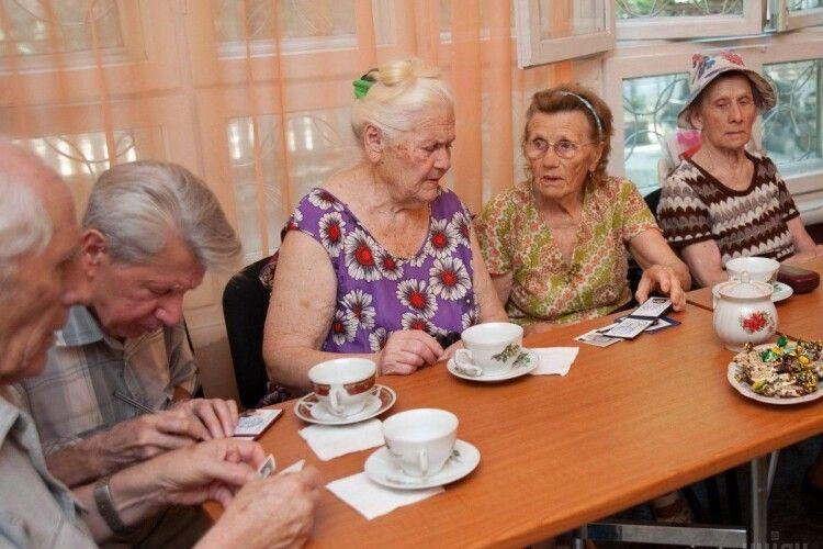 В Україні підвищиться пенсійний вік для жінок: кого це торкнеться