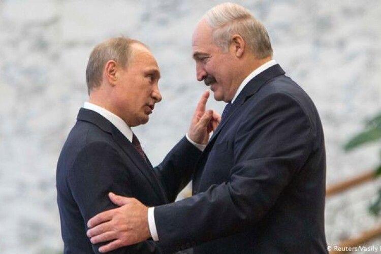 Лукашенко про стосунки з Путіним: «Нас загнали вже намертво в одну команду»