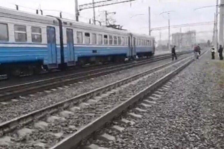 У Луцьку чоловік кинувся під поїзд: подробиці трагедії