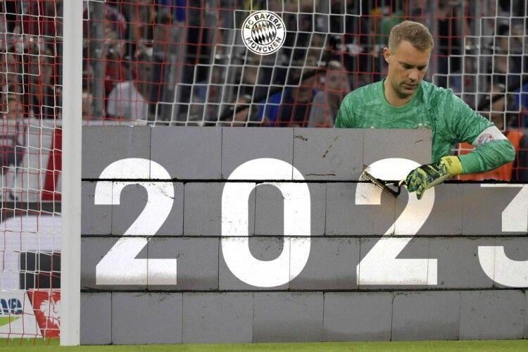 Мюнхенська «Баварія» продовжила контракт з Мануелем Ноєром і відзначила цю подію креативним колажем