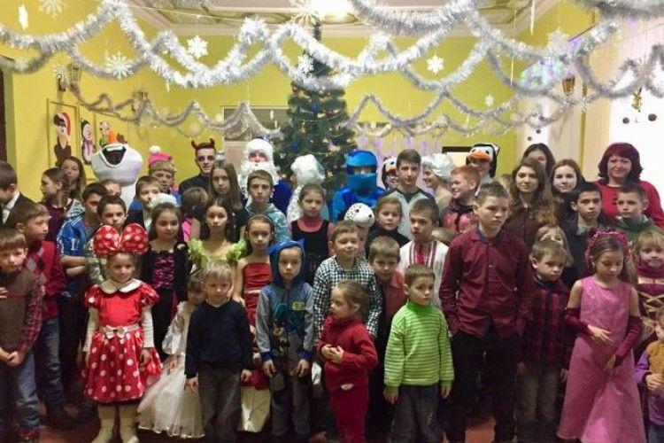 У Ковелі влаштували новорічне свято для дітей, яким зараз живеться непросто