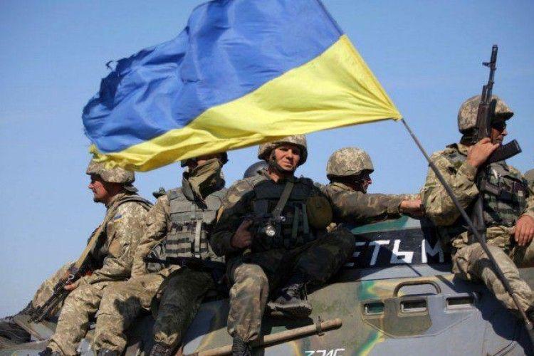 Порошенко похвалився рекордним військовим бюджетом України