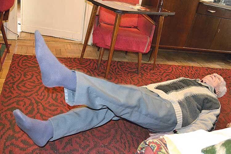 97–річний фронтовик щодня дві години робить зарядку