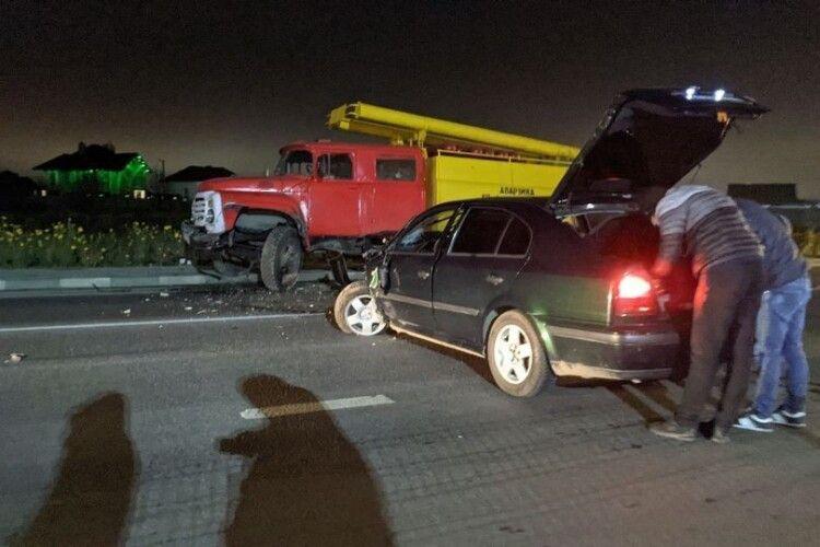 Під Луцьком п'яний водій протаранив вантажівку (Фото)