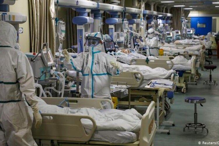 Повідомили, скільки на Волині залишилось ліжок для хворих на COVID-19