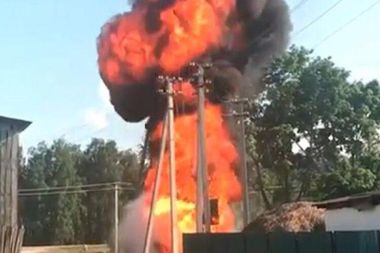 На Рівненщині згорів трансформатор