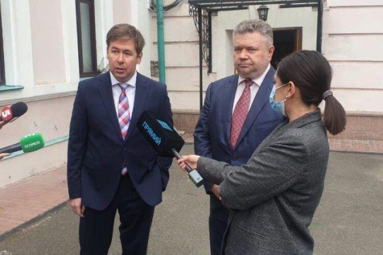 Адвокат Ілля Новіков: найближчим часом буде поданий позов від імені Порошенка проти Гордона за наклеп
