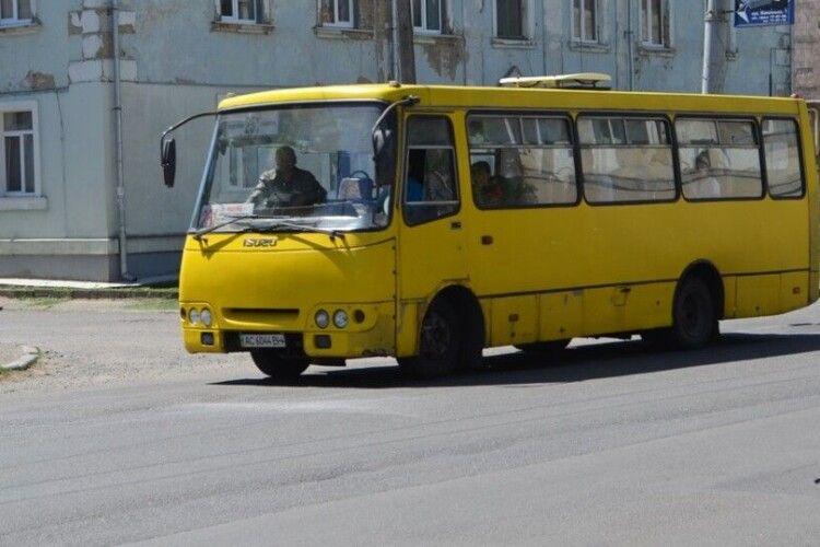 З 1 червня лучани їздитимуть  у громадському транспорті за новими правилами