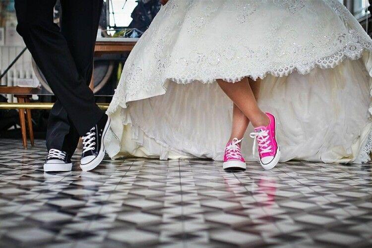 В Україні в 2021 році в п'ять разів частіше одружувалися, ніж розлучалися