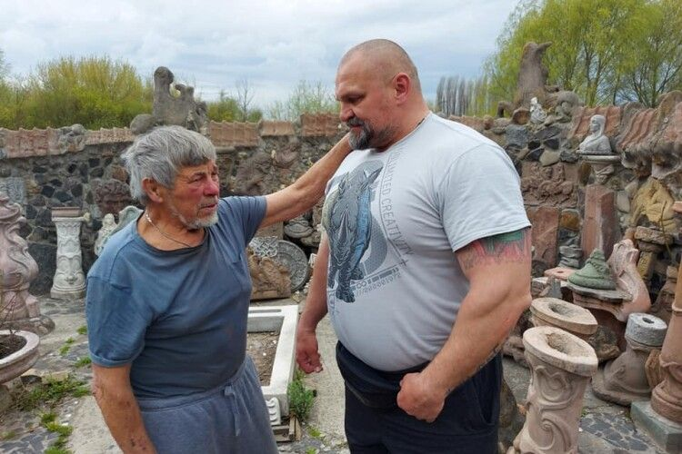 Відомий волинянин Головань приймав на Пасху гостя-силача Вірастюка (Відео, фото)