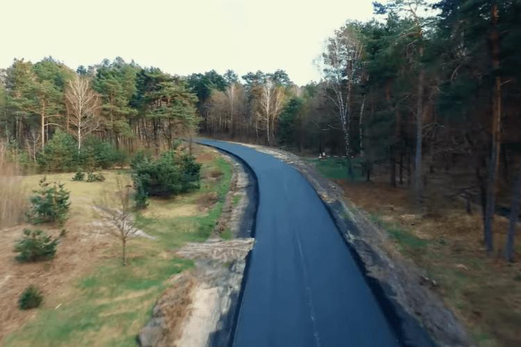 Дорожники показали з висоти відремонтовану дорогу до Шацьких озер (Відео)