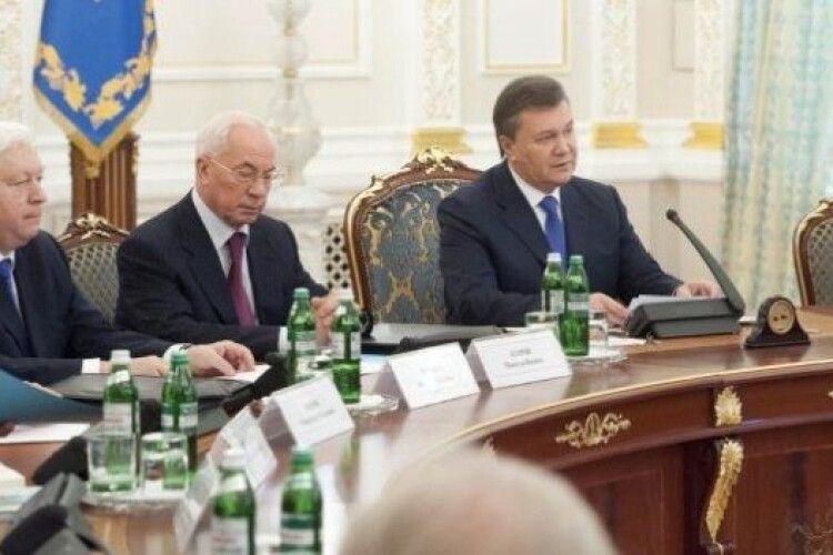 РНБО запровадила санкції проти Януковича, Азарова, Табачника, Пшонки, Поклонської та усієї їхньої гоп-компанії