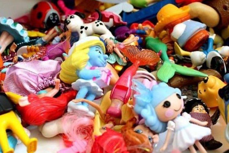 Улюбленці дівчаток «Барбі» або «ЛОЛ» можуть бути дуже небезпечними іграшками!