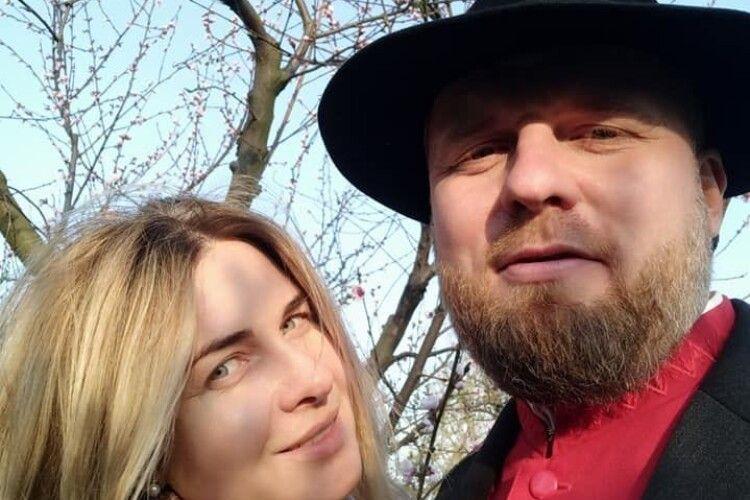 Волинський священник згадав давню українську традицію... і вдягнув капелюха
