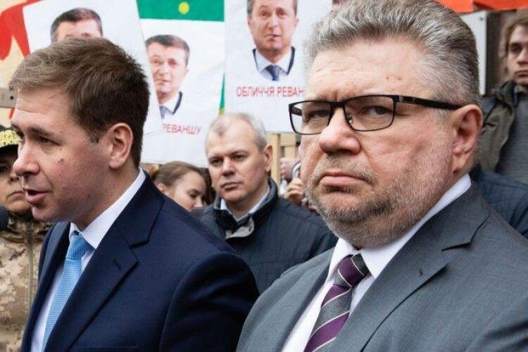 Адвокати Ілля Новіков та Ігор Головань: «Президент Зеленський публічно пообіцяв «пригоди» Порошенку, і ДБР це відпрацьовує»