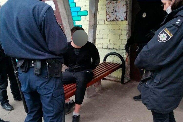 Волинські інспектори затримали шахрая з кримінальним «стажем»