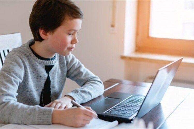 В Україні оновили умови дистанційного навчання у школах