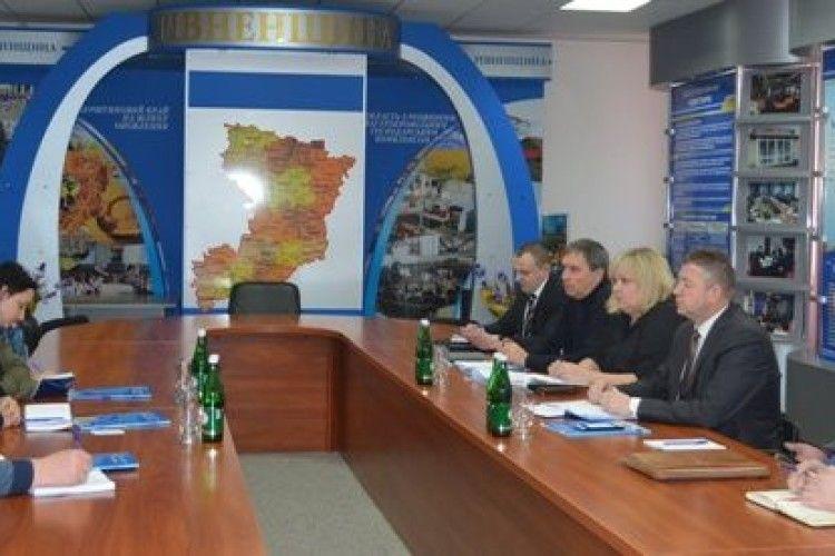 Представників ОБСЄ у Рівному цікавили свобода віросповідання та вивчення іноземних мов