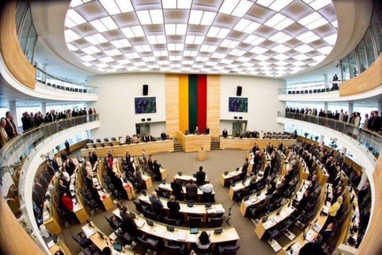 У Литві депутати працюють безкоштовно і звітують перед виборцями в YouТube