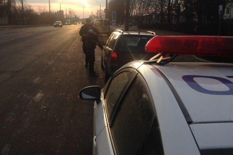 У волинській поліції розповіли, як спонукають місцеву владу до ремонту доріг