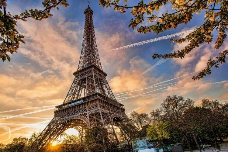 З 2 червня французам дозволять ходити в музеї, театри та на пляжі