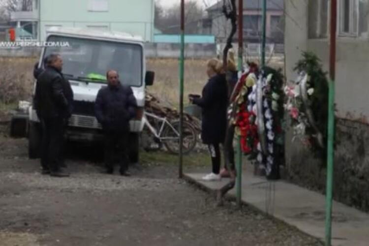 «Додому я вже не зайду»: батько загиблої 13-річної дівчинки розповів подробиці трагедії (Відео)