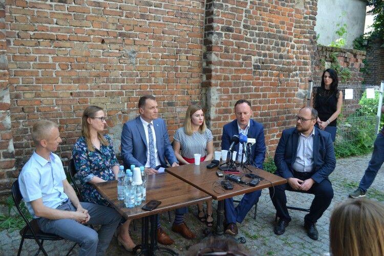 Вартові часу: українці таполяки відновлюватимуть середньовічні вежі
