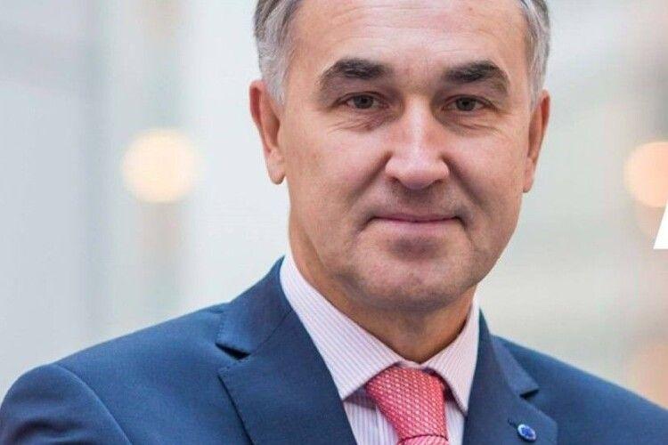 Депутат Європарламенту застеріг Зеленського від політичних переслідувань Порошенка