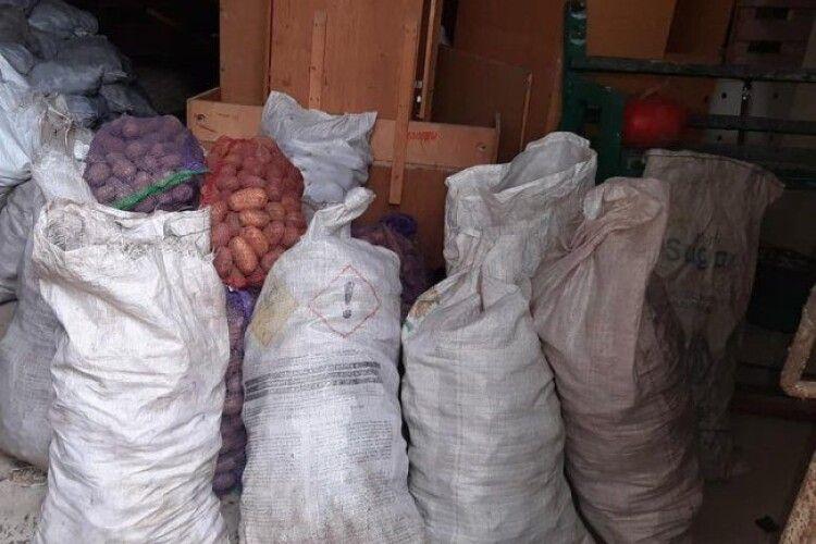 Волинські капелани передали продукти харчування для хворих на Covid-19
