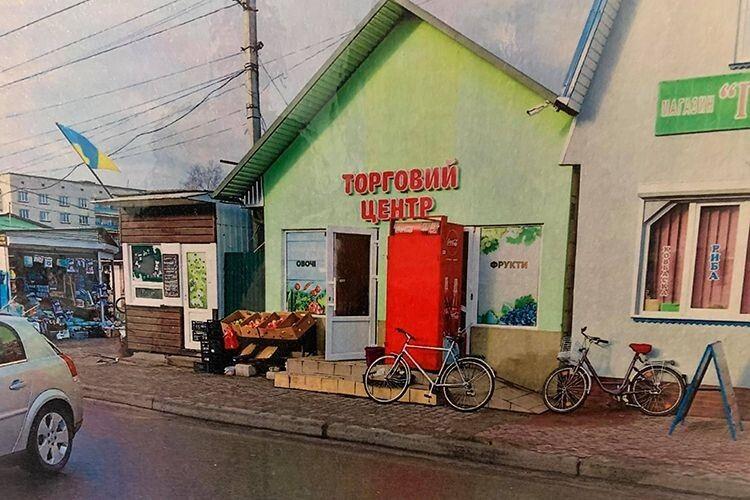 «Чи зможе старенька бабуся заплатити за місце на любомльському базарі до 100 гривень?»