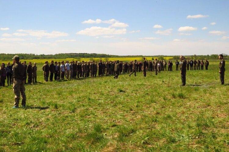 До Цуманської пущі з'їхалося дві сотні спраглих повстанського духу (фото)