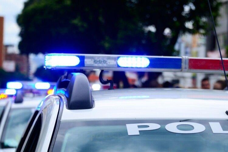 Увечері поліцейські, рятівники та «швидка» мчали до школи у волинському містечку