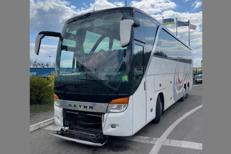 На «Ягодині» прикордонники затримали автобус зі зміненим номером кузова