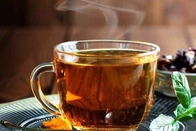 Українцям розповіли дієвий рецепт проти кашлю та застуди