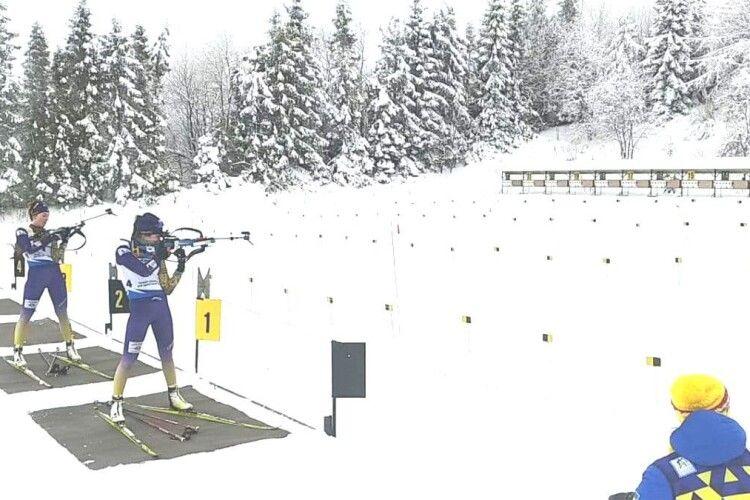 Як виступають волинські стріляючі лижники на Чемпіонаті України з біатлону серед юніорів та юніорок (Фото, відео)